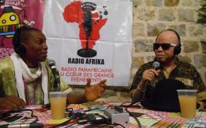 Mory Touré en interview avec Salif Keita sur Radio Afrika